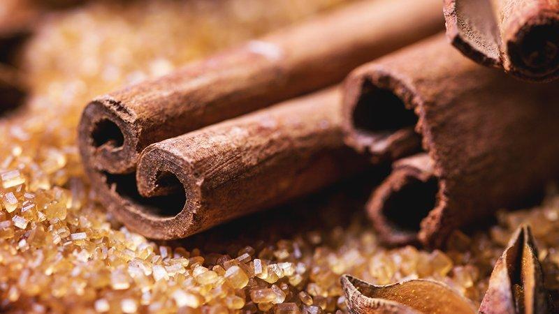 29 surprising health benefits of cinnamon