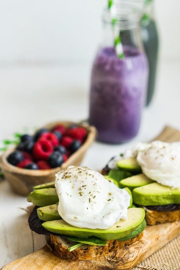 Blueberry Avocado Salad
