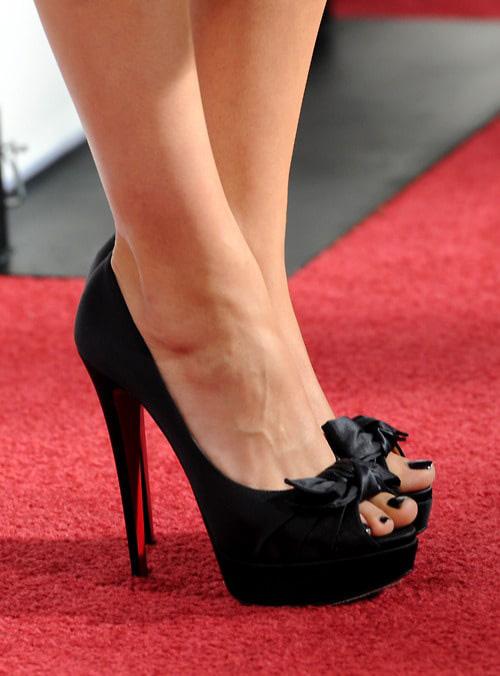 mila kunis feet