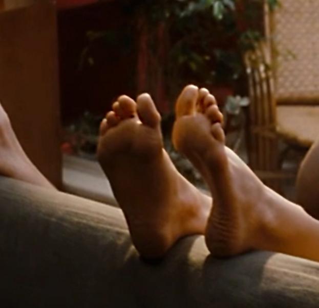 natalie portman feet 18