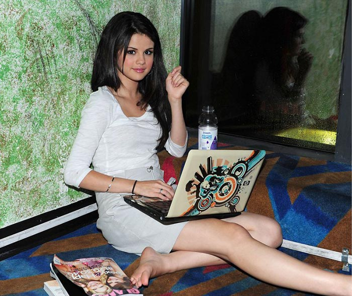 selena gomezs legs and feet 12