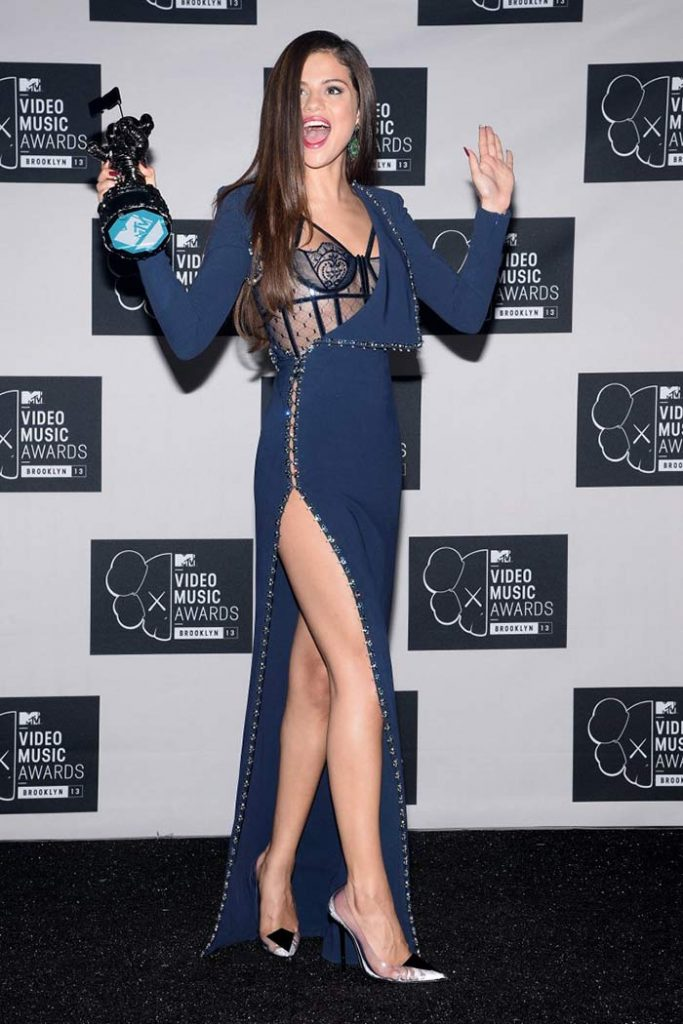 selena gomezs in awards
